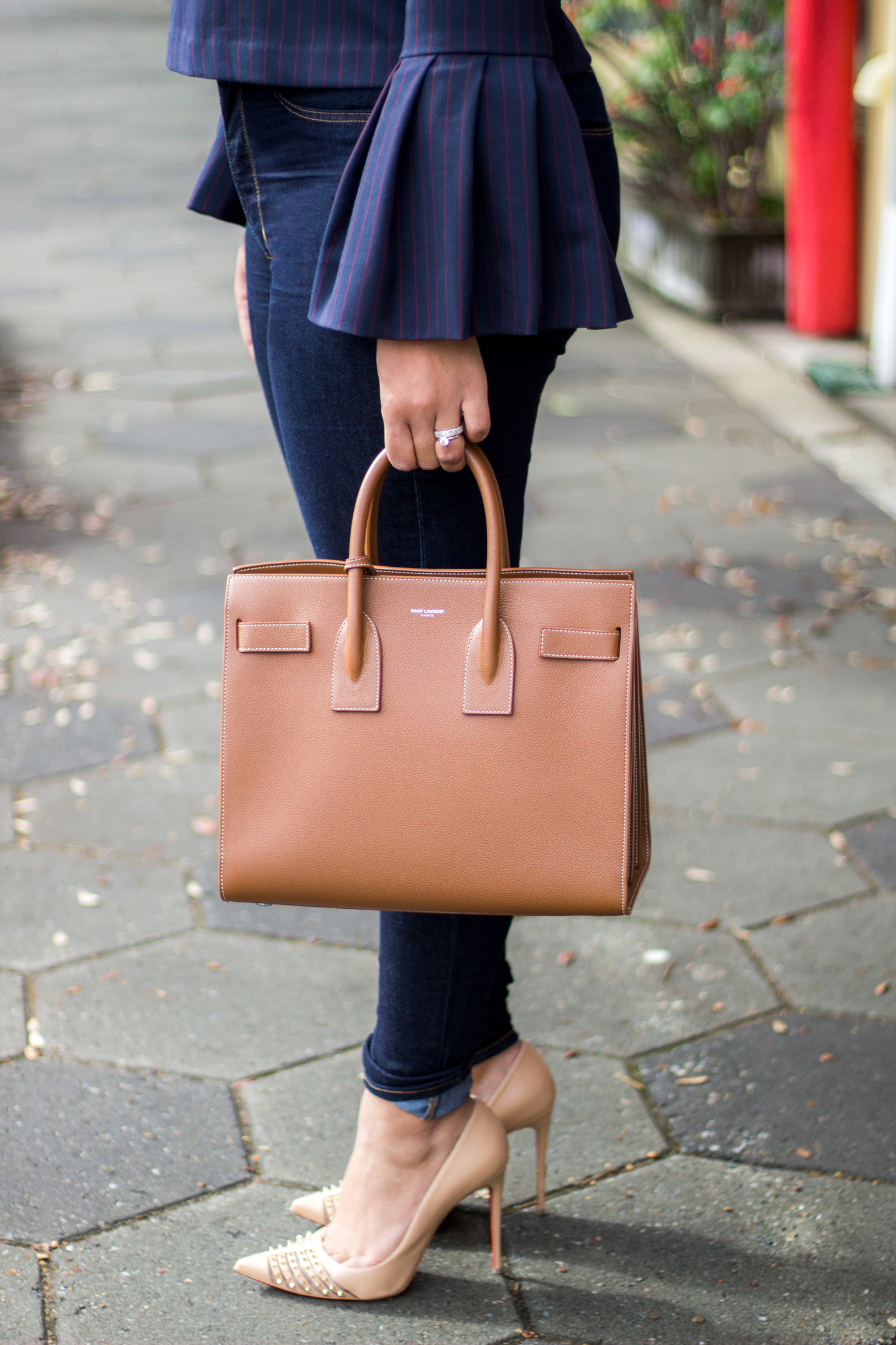 saint-laurent-taupe-sac-de-jour-bag