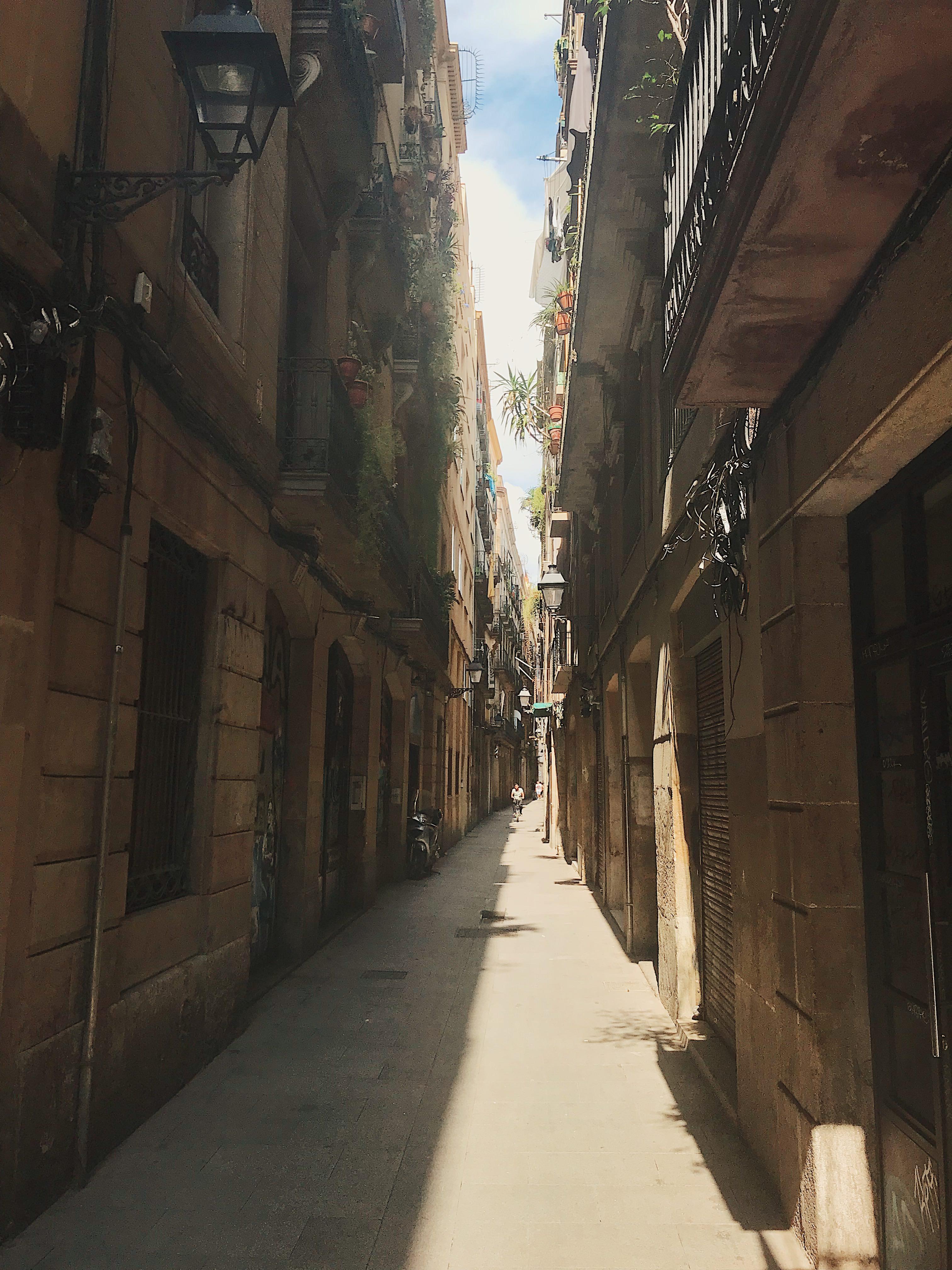 barcelona-alleys