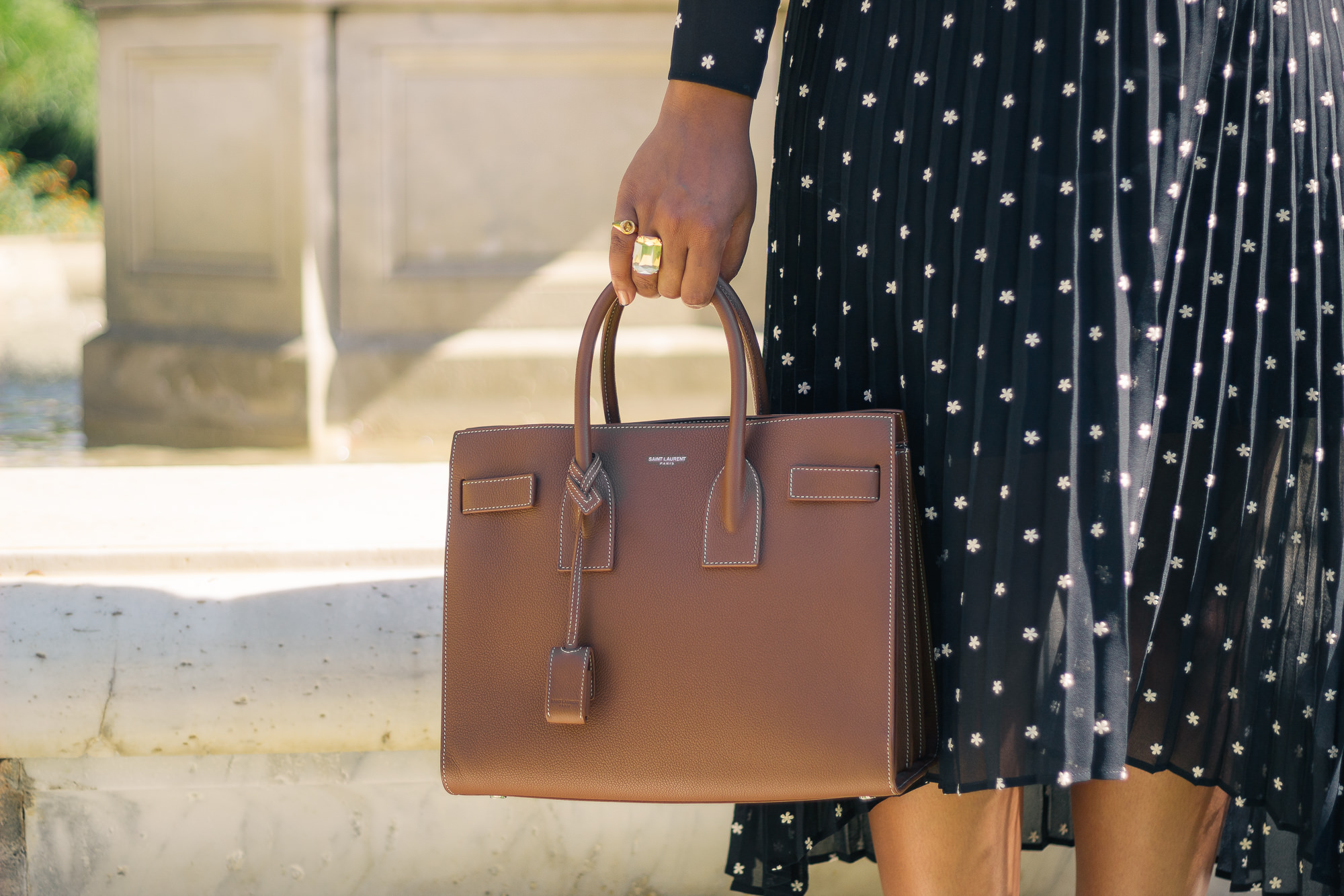 brown-ysl-saint-laurent-sac-du-jour