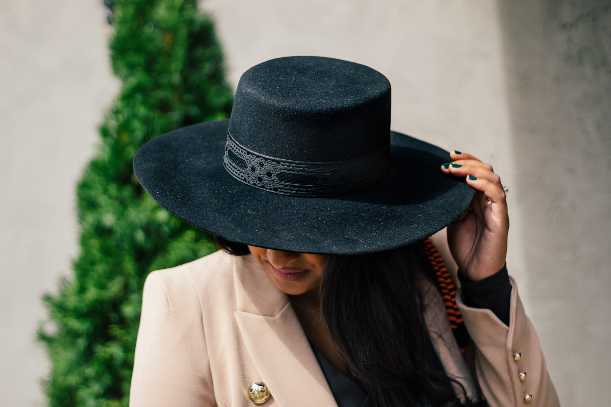 top-black-fashion-hats-women