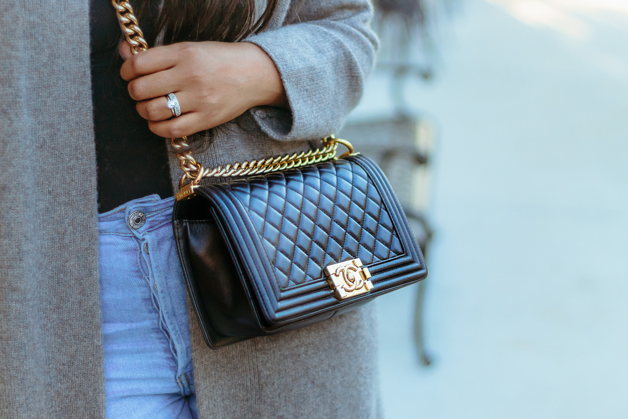 classic-black-chanel-bag-details