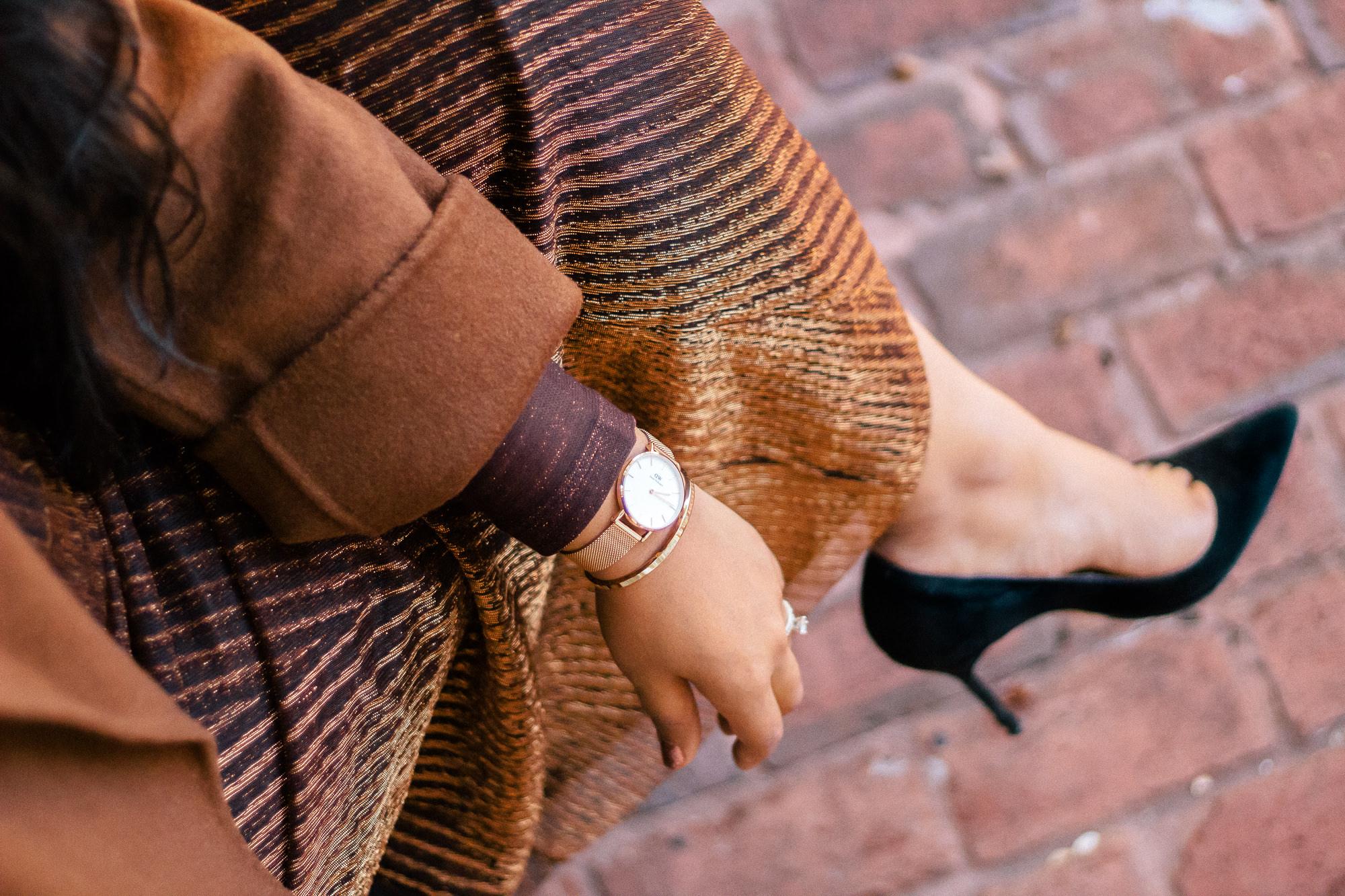 zara-brown-metallic-pleated-skirt