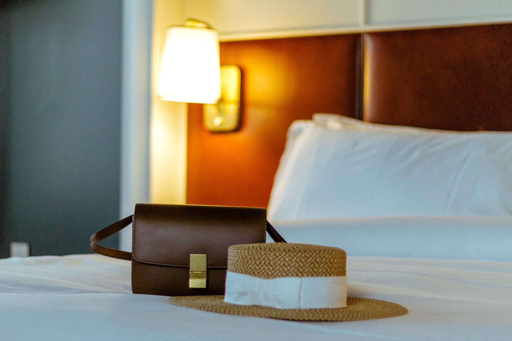 perry-lane-hotel-bedroom-savannah-georgia-best-bed